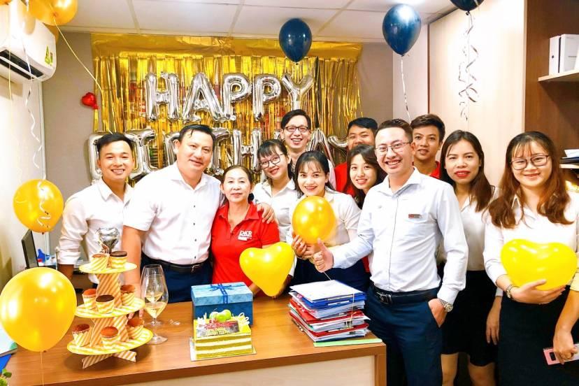 Sinh nhật cho CBNV - hoạt động nội bộ nhiều ý nghĩa tại Danh Khôi